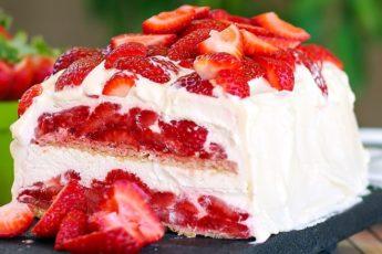 Торт с клубникой без выпечки: не приготовить такой торт — преступление!